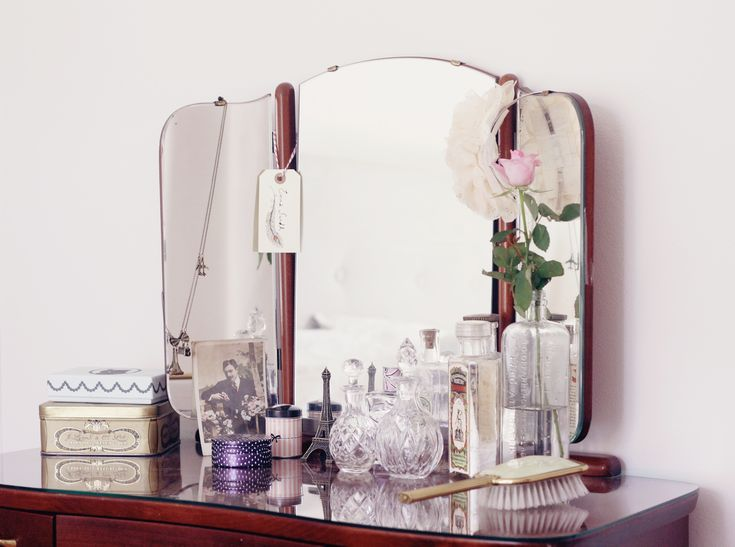 Coiffeuse avec miroir années 30 et déco cristal  sminkbord. -★- mirror