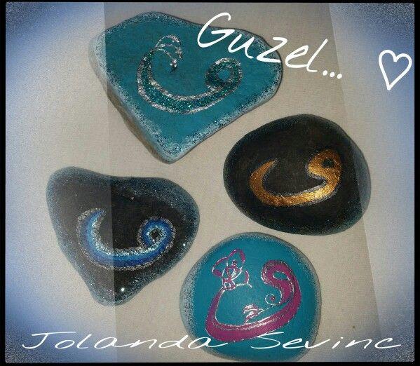 Turkse beschilderde steentjes ...