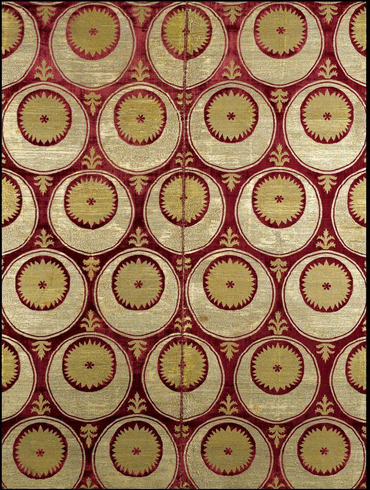 Sotheby's Arts of the Islamic World Doha   19 Mar 2009, Lot 315 an Ottoman Silk Velvet And Metal Thread Çatma with a golden serrated sun motif, Bursa late 16th/early 17th century