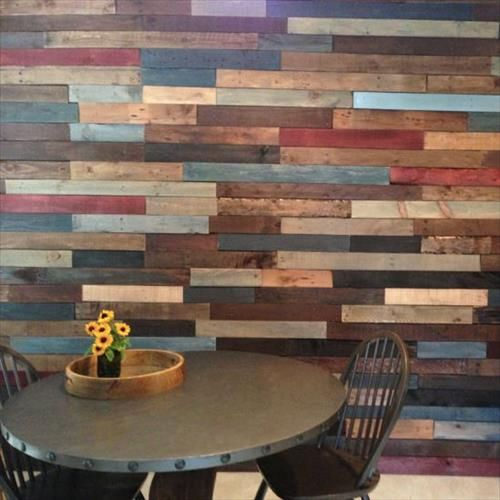 Colorful pallet wall decoration ideas wall decorations for Pallet shower wall