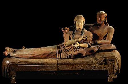 Il Sarcofago degli Spos,VI secolo a.C.Sarcofago etrusco in terracotta.Da Cerveteri .Oggi conservato presso Museo nazionale etrusco di Villa Giulia a Roma.