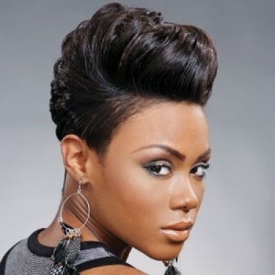 Cute voluminous half up hairstyle for African American women  // COOL //