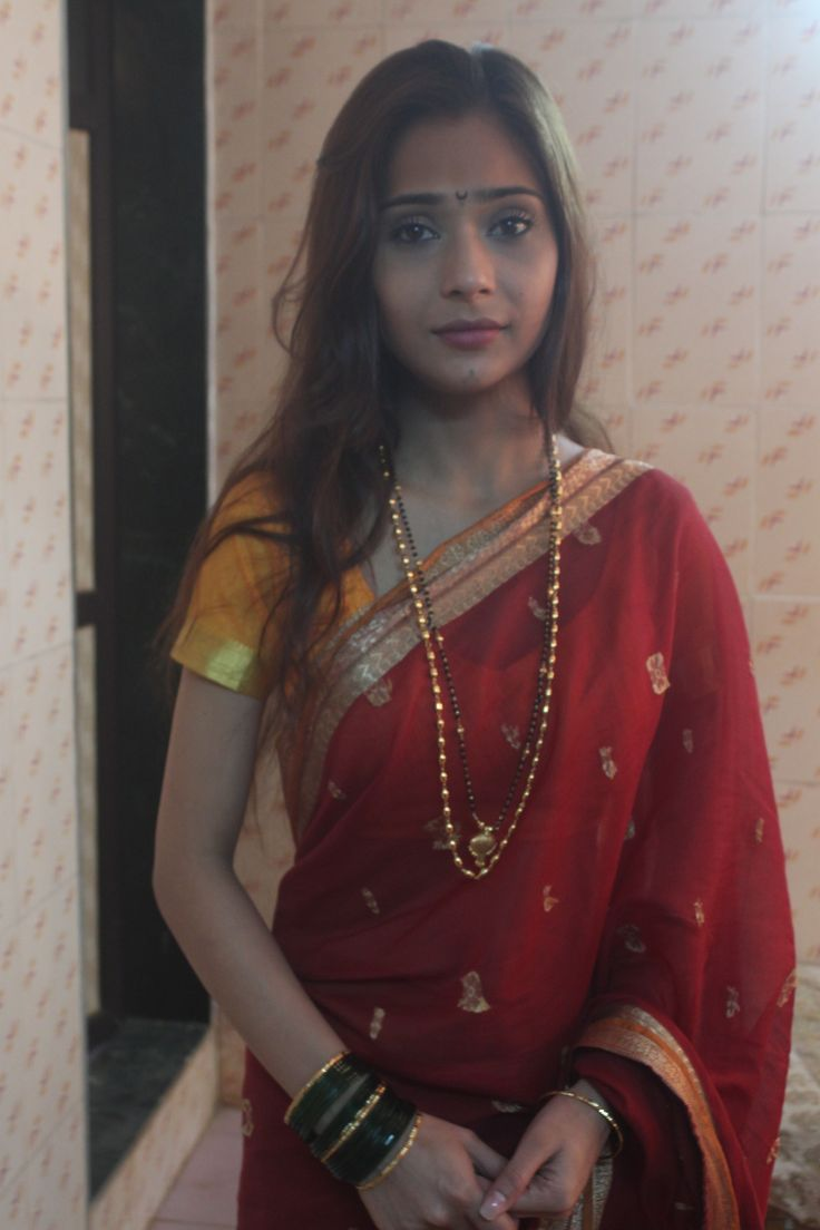 Beautiful Sara Khan off screen pic from the sets of Savdhaan India