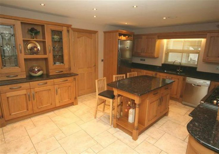 traditional oak kitchen cabinets http://www.pauljameskitchens.com