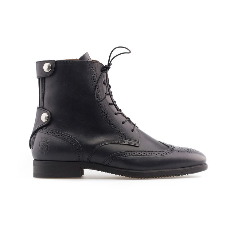 Box Calf leather boots, full leather lining, YKK rear locking, round toe, leather comfort insole, Vibram® rubber outsole Blake stitched, protection closure on top and bottom by two flaps of skin with metal snaps, cast lines, waxed laces.