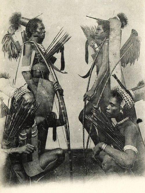 1899 Sunda Indonesia - Armed Headhunters
