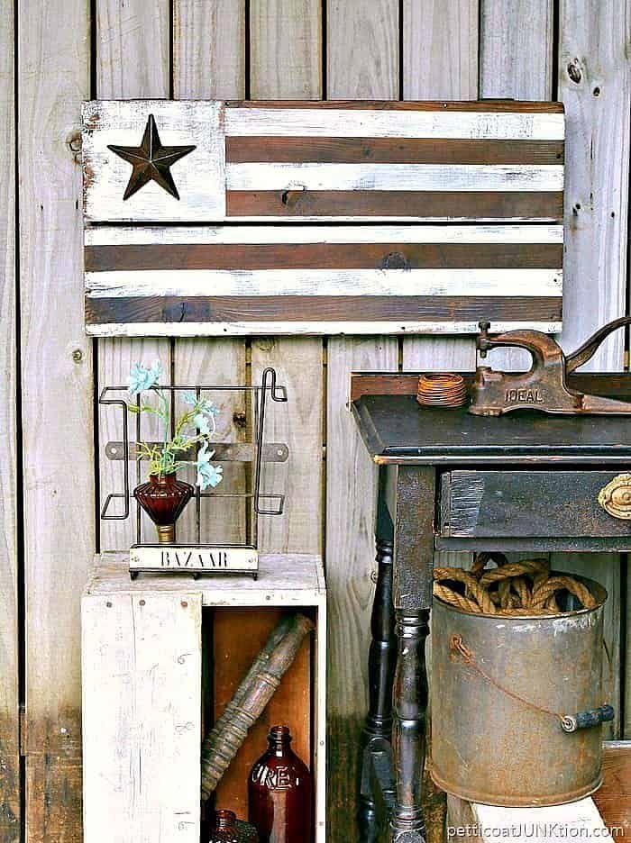 Rustic Farmhouse American Flag DIY Idea
