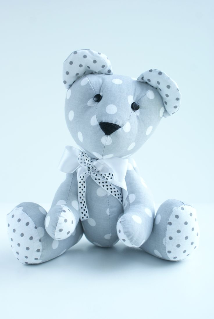 Handmade czyli ręcznie szyty miś #zając #pies #miś #przytulanka #maskotka #teddybear #zabawka #pokójdziecka #desing #skandynawski #rękodzieło #ręcznieszyte #poduszka #poducha #kuferekmalucha #pillow #homedecor #bear #szycie #handmade #pokojdziecka