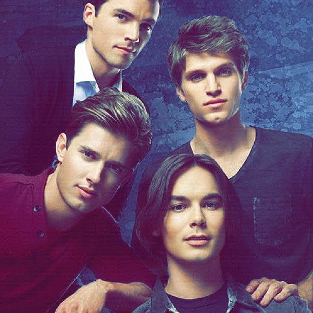Ian Harding, Keegan Allen, Tyler Blackburn and Drew Van Acker :)