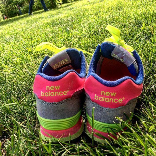 #latergram #newbalance #runnings #neonlights #gras #nofilter #nature #enjoythemoment #laloliettemamancoquette