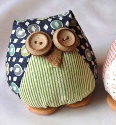 Textil baglyok gomb szemekkel egyszerűen (szabásmintával) / Mindy -  kreatív ötletek és dekorációk minden napra