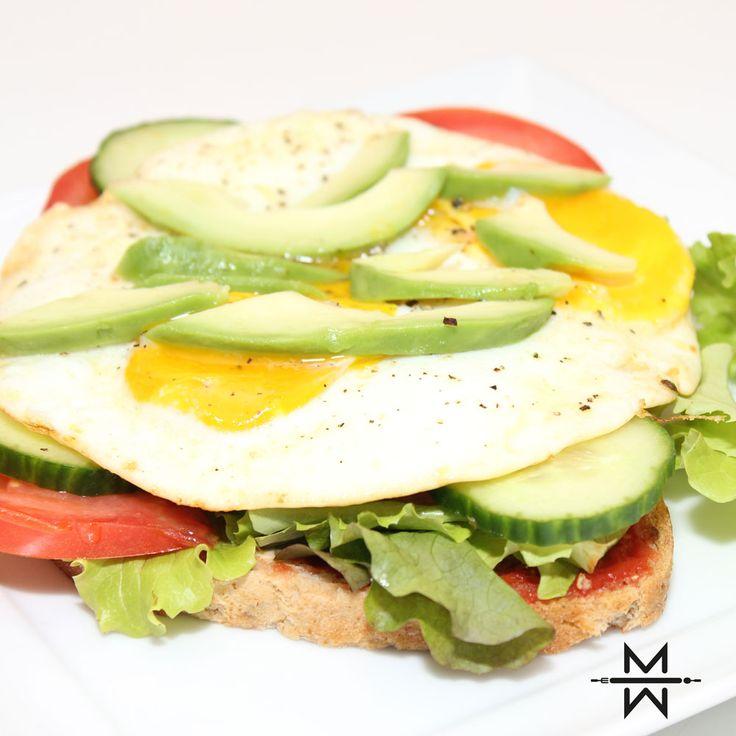 Je ontbijt kan je dag maken of breken, heb je 's ochtends te weinig gegeten dan is de kans groot dat je de rest van de dag met een slap en hongerig gevoel zit opgescheept. Datzelfde gevoel geeft een ontbijt dat voornamelijk uit koolhydraten bestaat. Natuurlijk geeft het snel energie, maar die energie is vaak […]