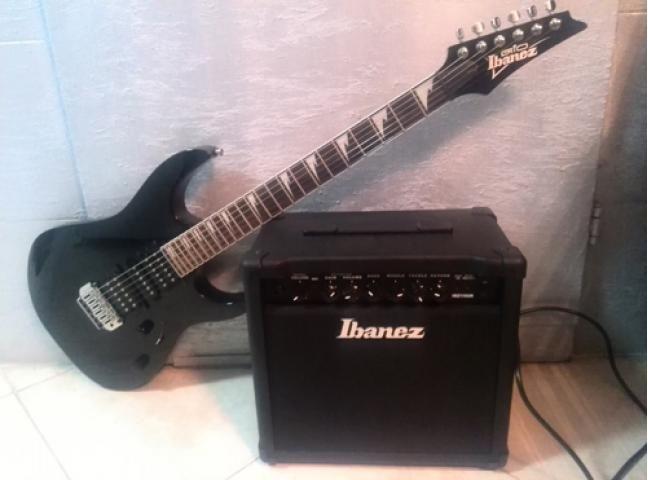 Продаю в комплекте электрогитару Ibanez GRG 170DX BKN и гитарный усил