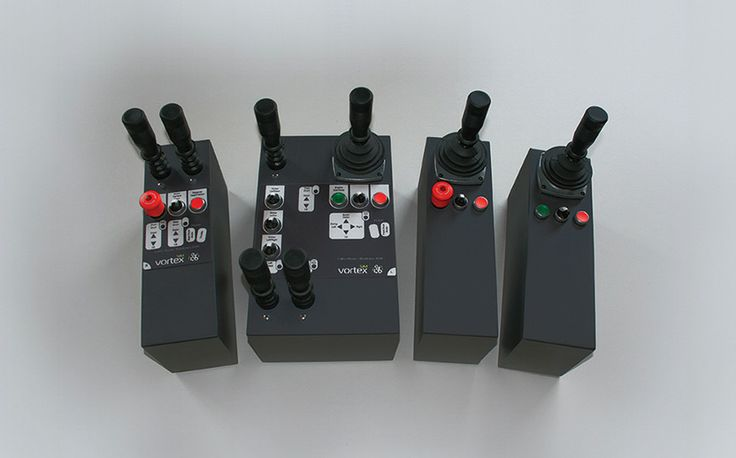 VxMaster interchangeable controls