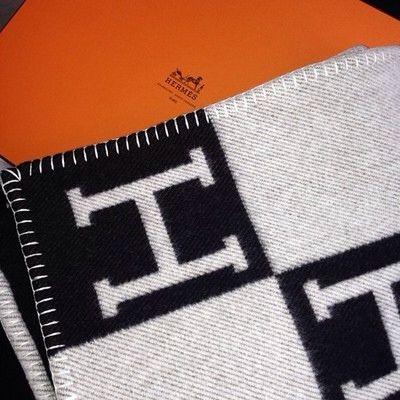 Hermes blanket only $ 1400