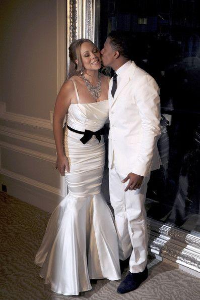 Mariah Carey Photos Photos - Singer Mariah Carey and husband Nick Cannon at their wedding vows renewal photocall held at Maison Blanche in Paris. - Mariah Carey and Nick Cannon Renew Their Vows in Paris