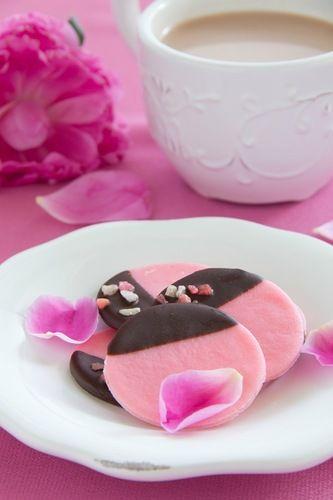 Розовое мятное печенье?! - Люблю готовить.