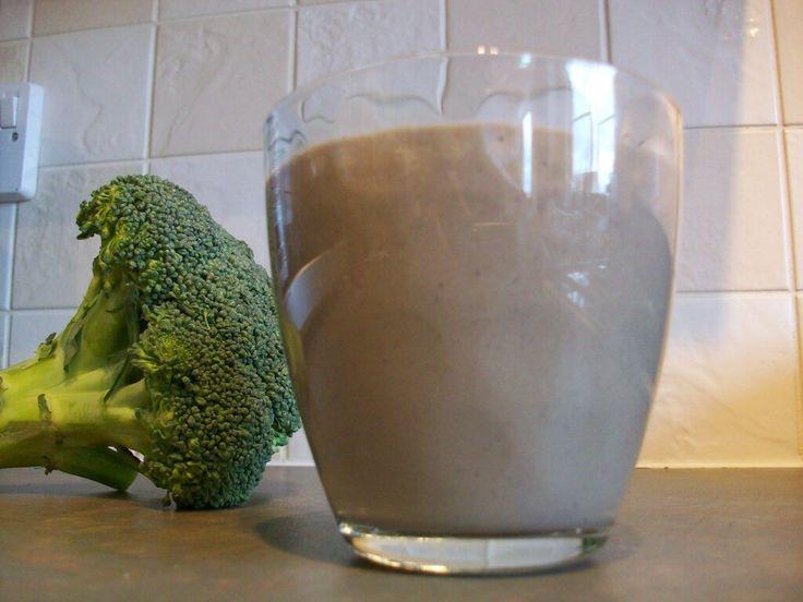 Blueberry Broccoli Smoothie