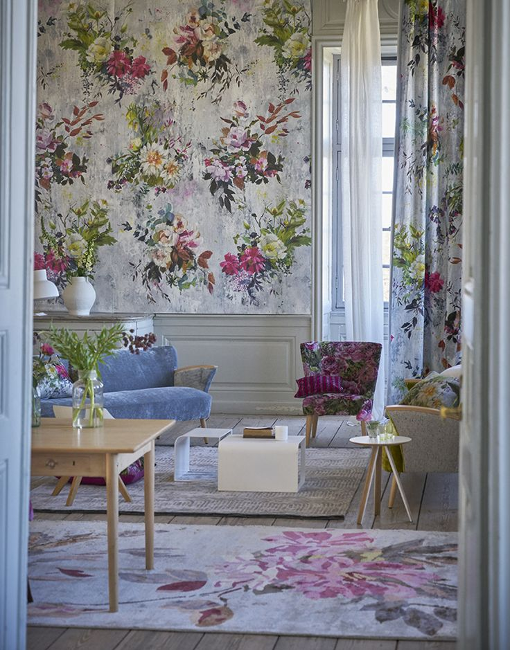 Designers Guild Aubriet fuchsia wallpaper panel and fabric