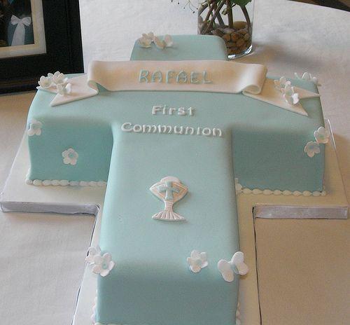 Nuevos modelos de tortas para Primera Comunión | Fiesta101: Cakes Ideas, 1St Communion, First Communion Cakes, Communion Ideas, Holy Communion, Communion Crosses, Cakes Design, Pink Accent, Crosses Cakes