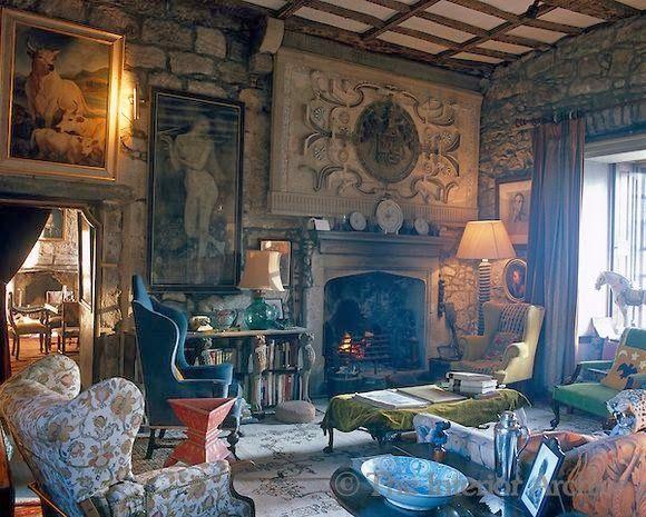 Decorating Tudor Style