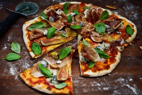 KRIS' ROAST FIG PIZZA with Prosciutto and Gorgonzola
