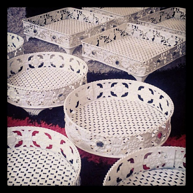 Basket hantaran tray