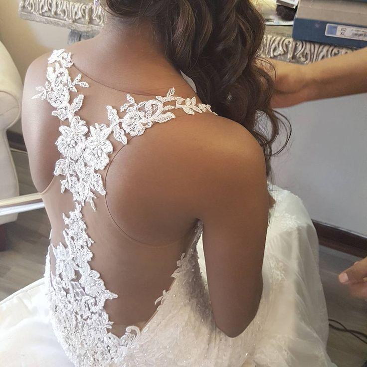 Another shot of Salina's beautiful back detail, on her bespoke bridal gown❤ #realbride #realwedding #weddingdress #luxuryweddingdress  #hanrieluesbridal #bridalcouture #bespokedress #bridesofinstagram #bespokewedding #luxurywedding #dreamdress #bespoke #lacetattoos #lowback #illusionback