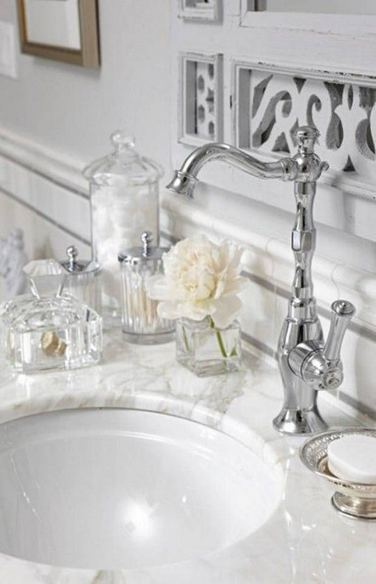 Glamorous bathroom accessories | House Mix