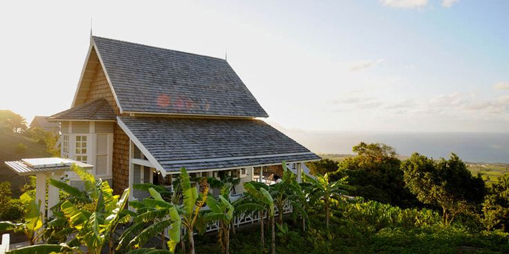 4 culinary-focused vacation 2 Caribbean, look no further than St. Kitts. Belle Mont Farm, organic farm, hotel & restaurant on Kittitian Hill, invites travelers 2 embark on journey 2 discover meaningful connection with food, nature & themselves. Wake up 2 views of sea in secluded guesthouses & farmhouses, which come complete with private infinity pools & open verandas with alfresco bathrooms. U can partake in Culinary Academy, educational food journey, where U forage with farmers & chefs.