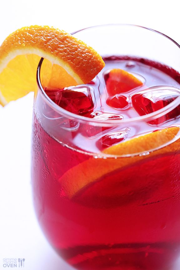 Have you tried making Agua de Jamaica (Hibiscus Tea) before?  It's super easy to make homemade, and is a delicious and refreshing drink for summer.  | gimmesomeoven.com #drinks