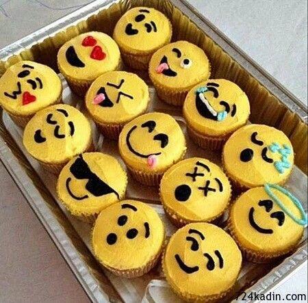 Emoji cupckaes
