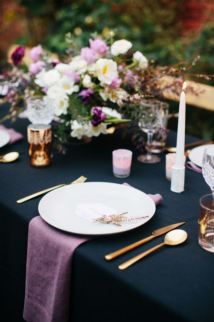 Photography : Anna Wu Photography | Event Design : Amanda OShannessy Creative Read More on SMP: http://www.stylemepretty.com/living/2015/02/16/a-beautiful-moody-30th-birthday-party/