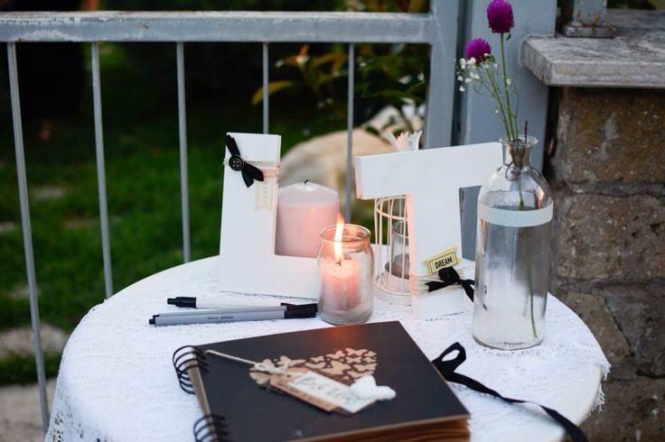 Table guest book