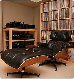 Best 20 hifi lounge ideas on pinterest for Fauteuil charles eames original prix