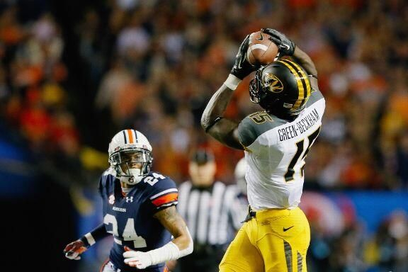 Former Missouri WR Dorial Green-Beckham was added to @OU_Football's roster Thursday » http://es.pn/TFA1ys  pic.twitter.com/66BaufKZyk