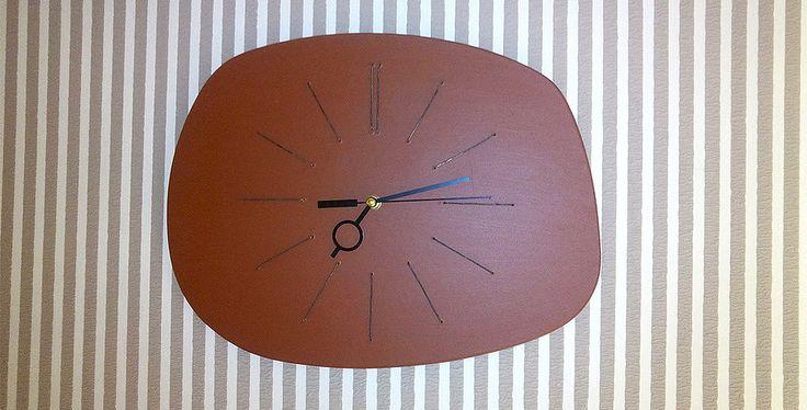 часы настенные СТАРЫЙ ТЕЛЕВИЗОР | мастерская дизайнерско мебели
