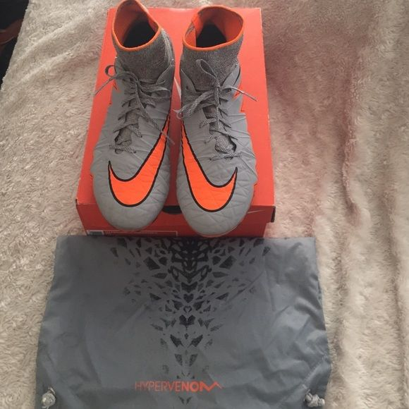 Soccer cleats Hypervenom Phantom II Soccer cleats Hypervenom Phantom II. Only used twice this cleats are top notch . Color Wolf Grey /total orange/black still in box and comes with a dust bag . Made in Italy Size is Men's 8.5 Women's 10 Nike Shoes
