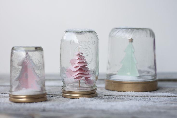 Charming DIY snow globe with #lifestylecrafts Village Die and Nesting Circles Die