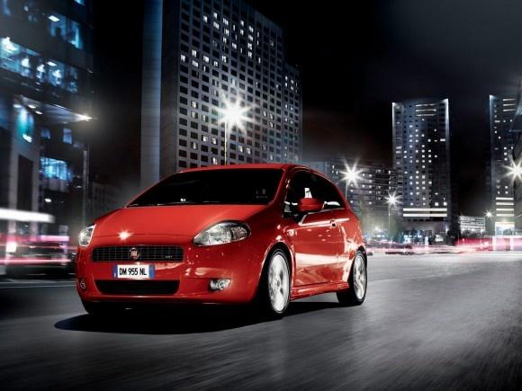 Fiat Punto in the City ! #fiat #punto #car #carparts #piecesauto #misterauto