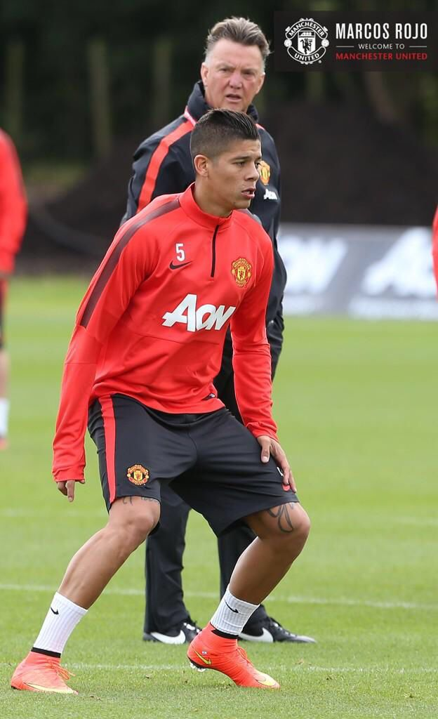 Marcos Rojo training 9/21/14 (from official twitter account for Manchester United)