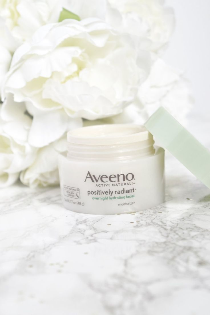 Aveeno Positively Radiant Overnight Hydrating Facial   Review. For more skin care review, options, tips and information, visit www.princessmiiaa.com   skincare   drugstore skincare   aveeno 