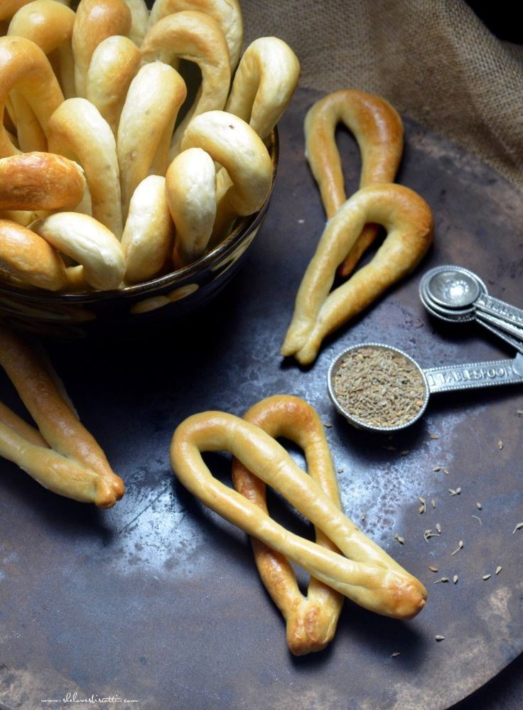 Crunchy Addictive Italian Anise Taralli [Yeasts. Prep time: 5 hours. Cook time: 25 mins]