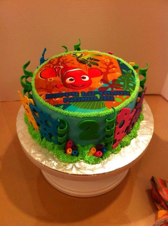 Cake Decorations Nemo : Fondant covered Finding Nemo cake with fondant decorations ...