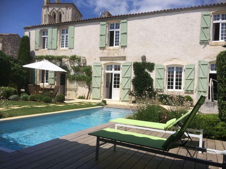 Abritel Location Meschers-sur-Gironde - Maison de caractère près de la plage, Classée 4*, Piscine chauffée