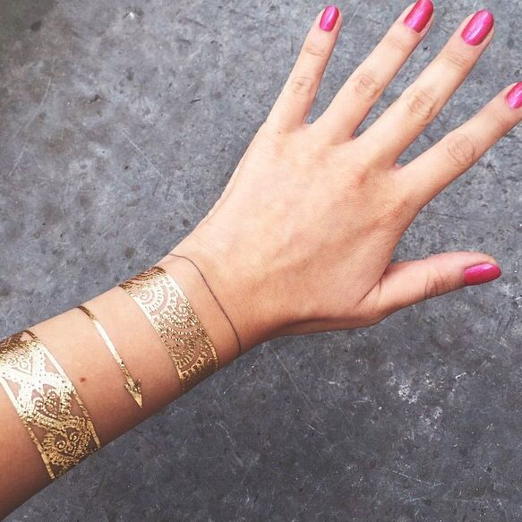 Amazing on #BettyAutier ! #ByWhoTattoo #Gold #SkinJewelry #Paris - www.bywhotattoo.com