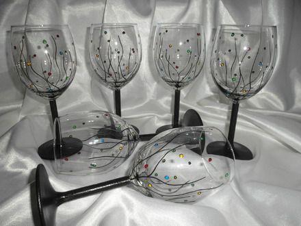 """Service de 6 Verres à pied, verre peints à la main. Peinture sur verre à pied Résistante à l'eau Au lave-vaisselle. Motif : """"Bulles"""" Multicolore Pied du verre : Noir Haute - 17022674"""