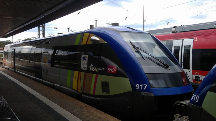 X 73917 - ATER mit Namen Drusenheim - der SNCF TER Alsace am 23.07.2011 im Hauptbahnhof von hinten.