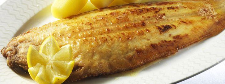 Regelmatig een visje op het menu is niet alleen lekker, het is vooral ook gezond. Hier vind je het recept voor tongfilet met witte wijnsaus.