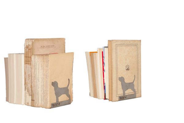 Achille, il fermalibri. Like the Greek hero, with its incredible strength our Achille can hold all your books.